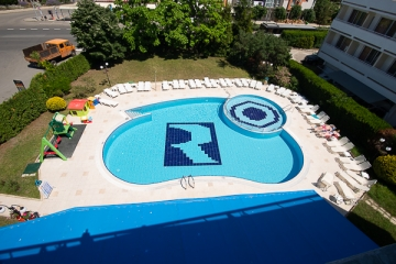 Swimming pool Hotel Regatta Palace