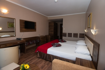 Bed in double room Hotel Regatta Palace